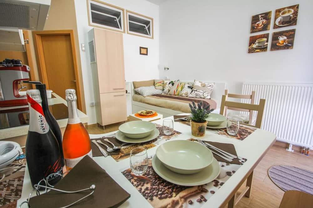 Classic Suite - In-Room Dining