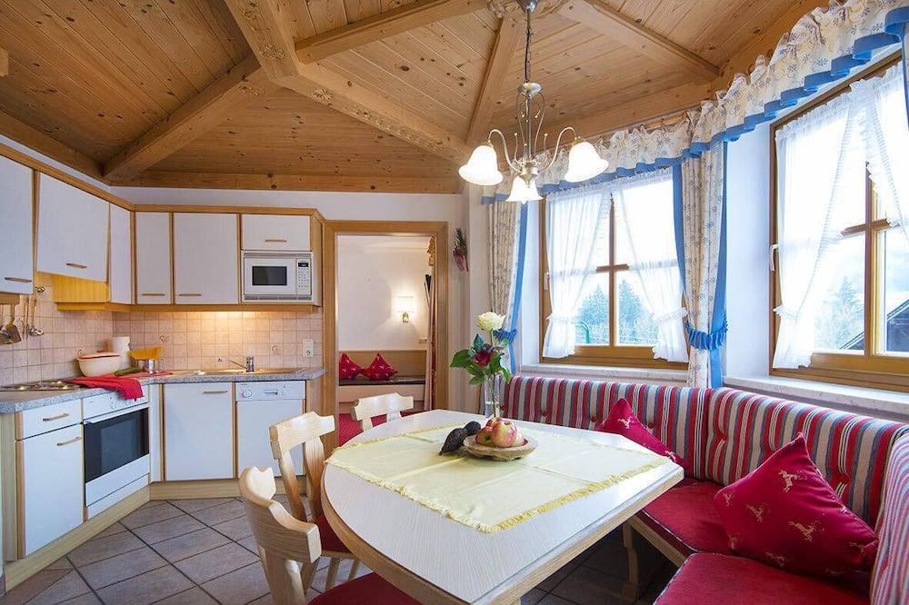 דירה (Typ 3) - אזור אוכל בחדר