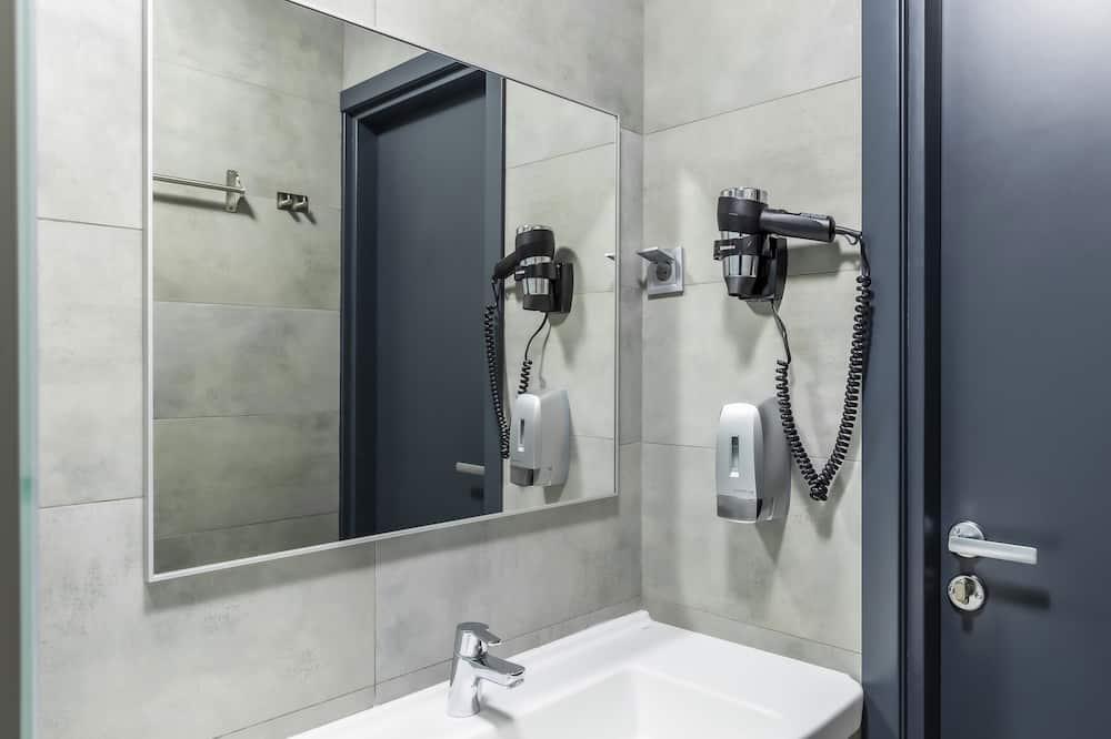 Single Capsule (9-hour Accommodations) - ห้องน้ำ