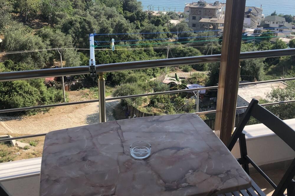 Estudio, vista al mar - Vista al balcón