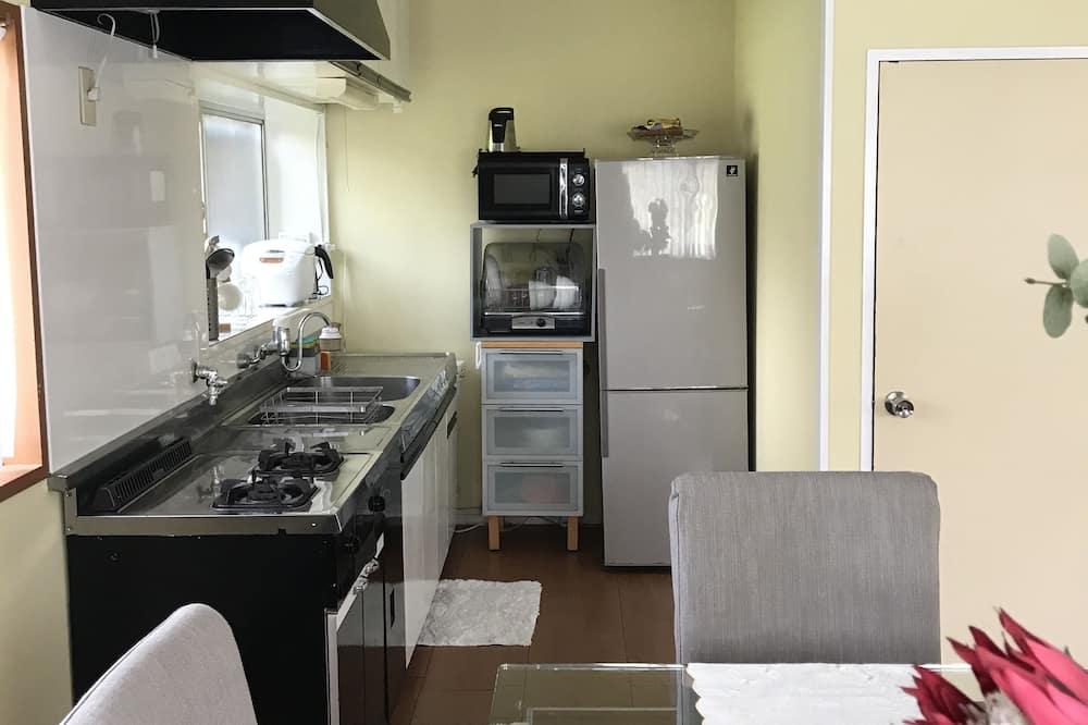 Traditional-Vierbettzimmer - Gemeinschaftlich genutzte Küchenausstattung