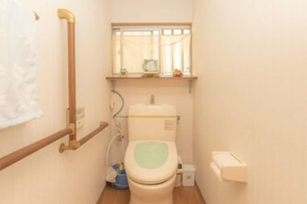 Economy - kolmen hengen huone, Jaettu kylpyhuone (B) - Kylpyhuone