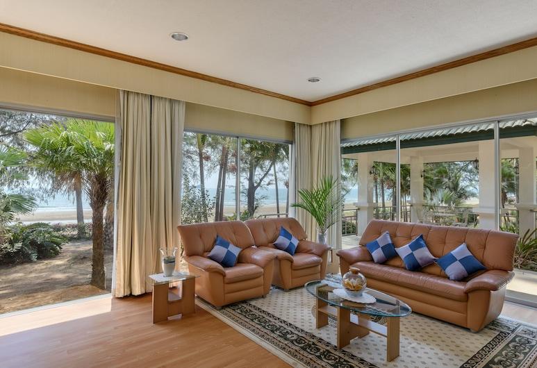 Seapine Recreation Centre, Hua Hin, Vila, 3 miegamieji, paplūdimyje, Svetainė