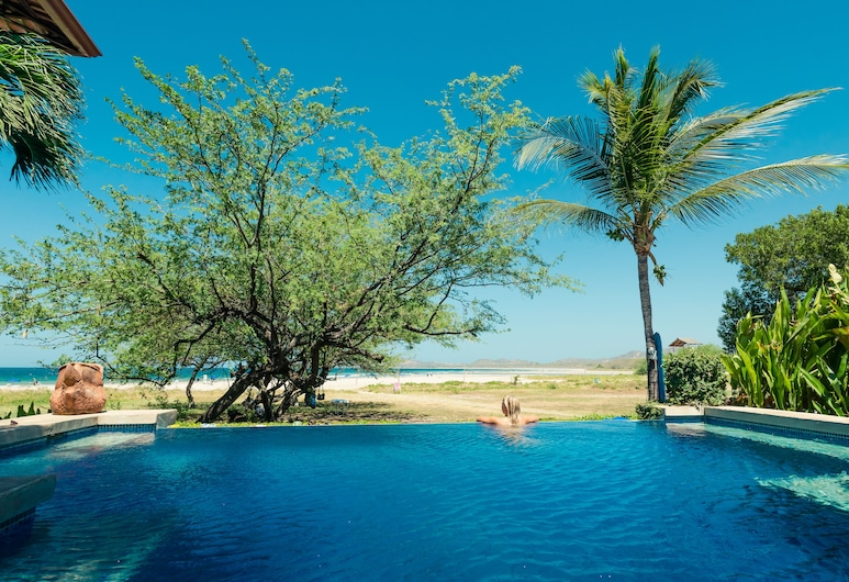 Witch's Rock Surf Camp Beachfront HOTEL, Tamarindo, Outdoor Pool