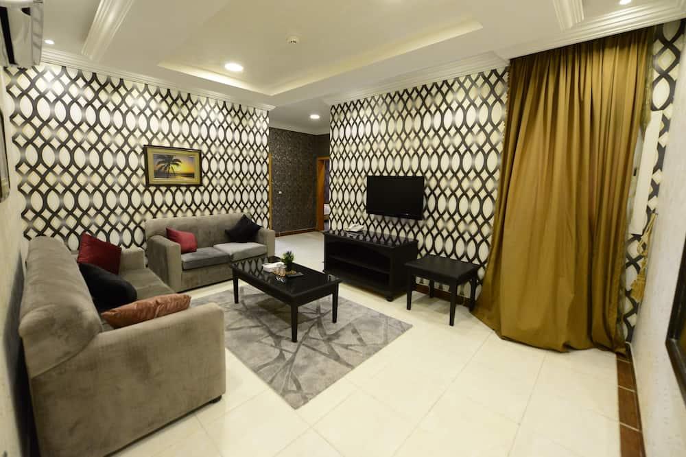 VIP Apartment Two Bedrooms With Kitchen - Sala de estar