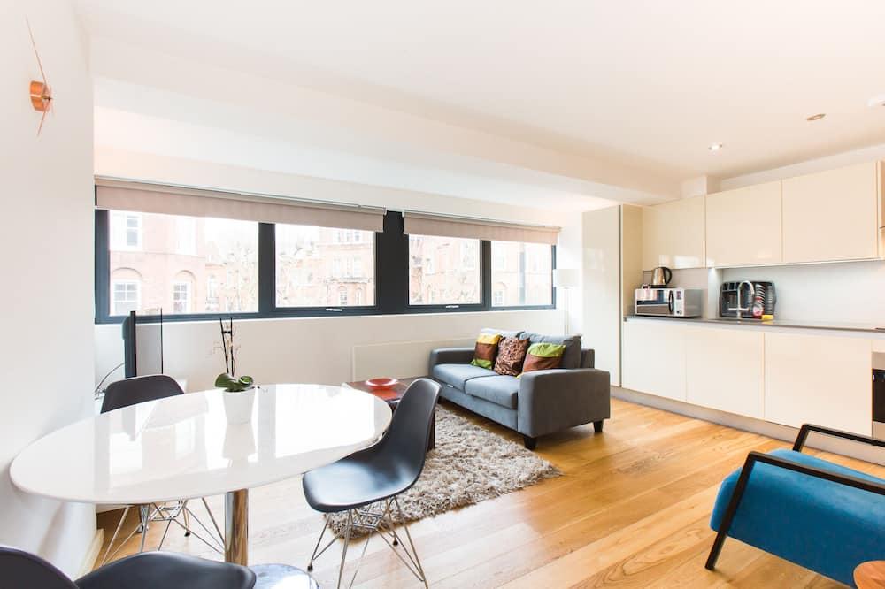 Spacious 1 Bedroom Apartment in Kensington - A3
