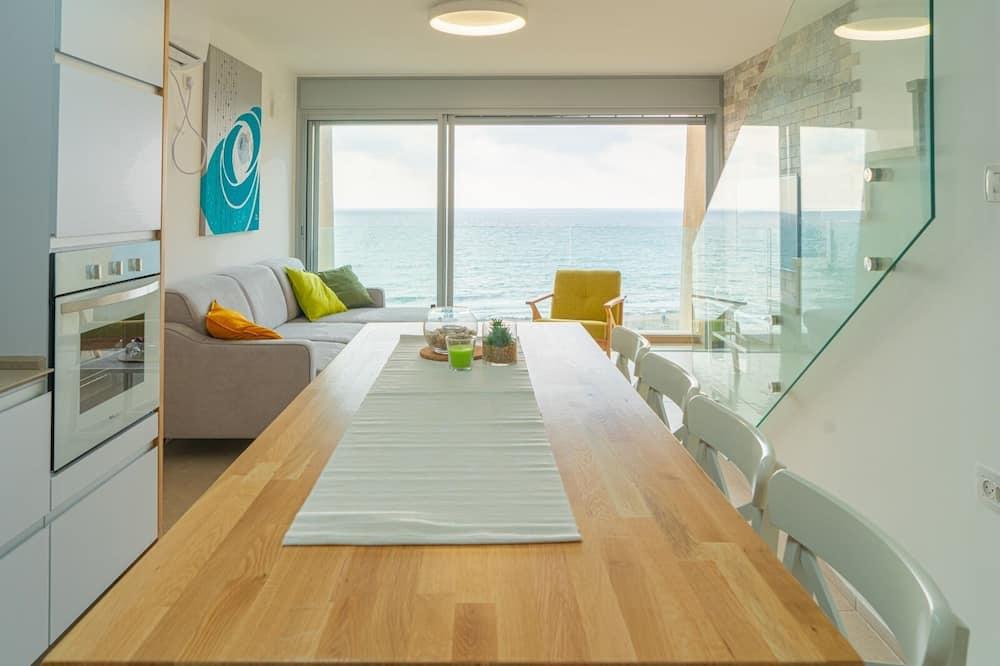 Apart Daire, 2 Yatak Odası, Deniz Manzaralı - Odada Yemek Servisi