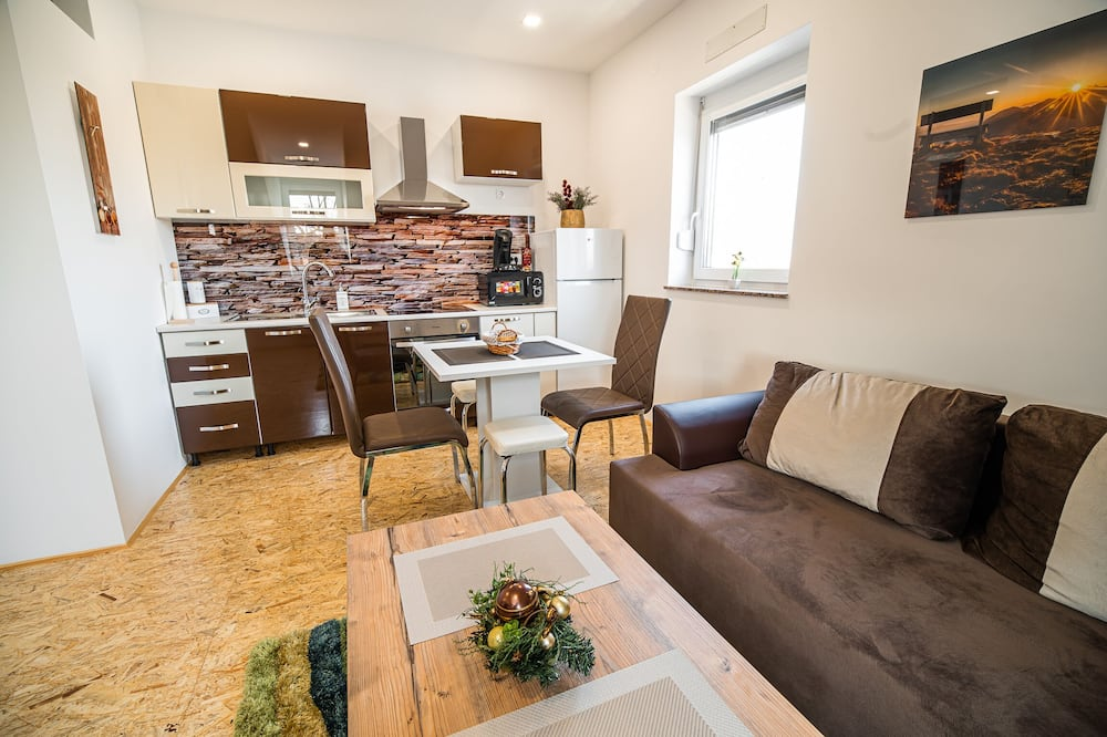 Lejlighed (One-bedroom apartment) - Stue