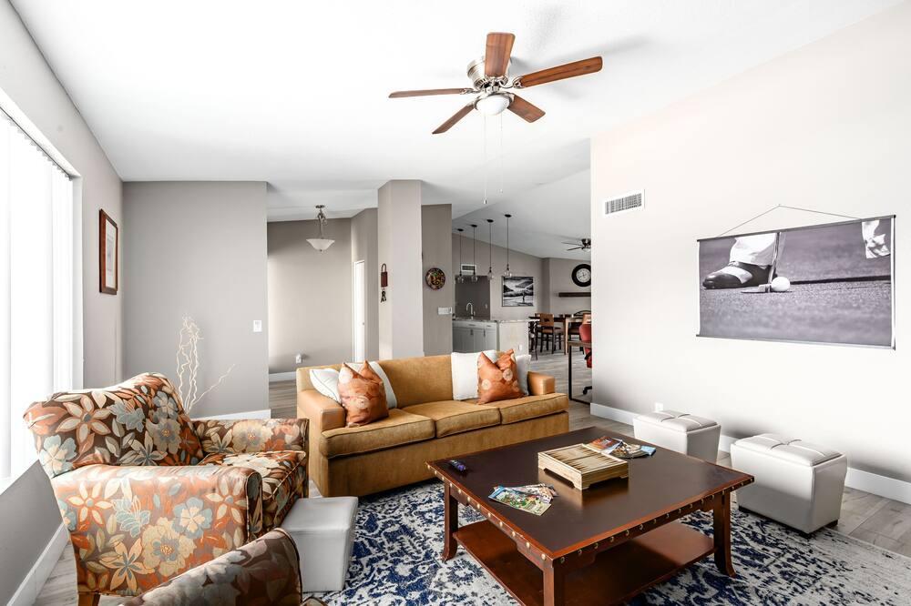 Māja (4 Bedrooms) - Dzīvojamā zona
