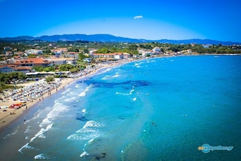Enter your dates for special Zakynthos last minute prices