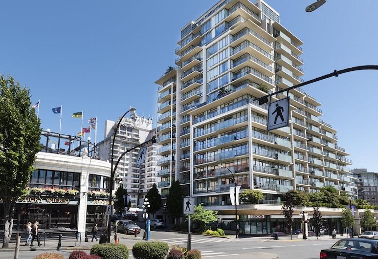 Ray of Sunshine Contemporary Condo Heart of Downtown, Victoria