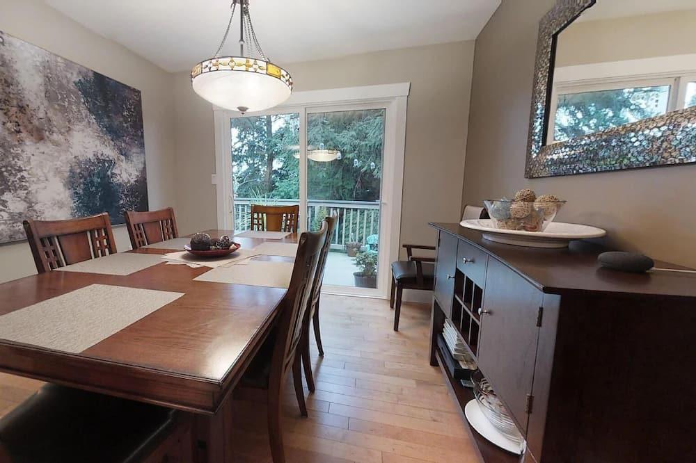 Kuća, 3 spavaće sobe, kuhinja - Obroci u sobi