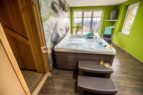 Book Holiday Home With Hot Tub And Sauna Sabina In Rovte Hotels Com