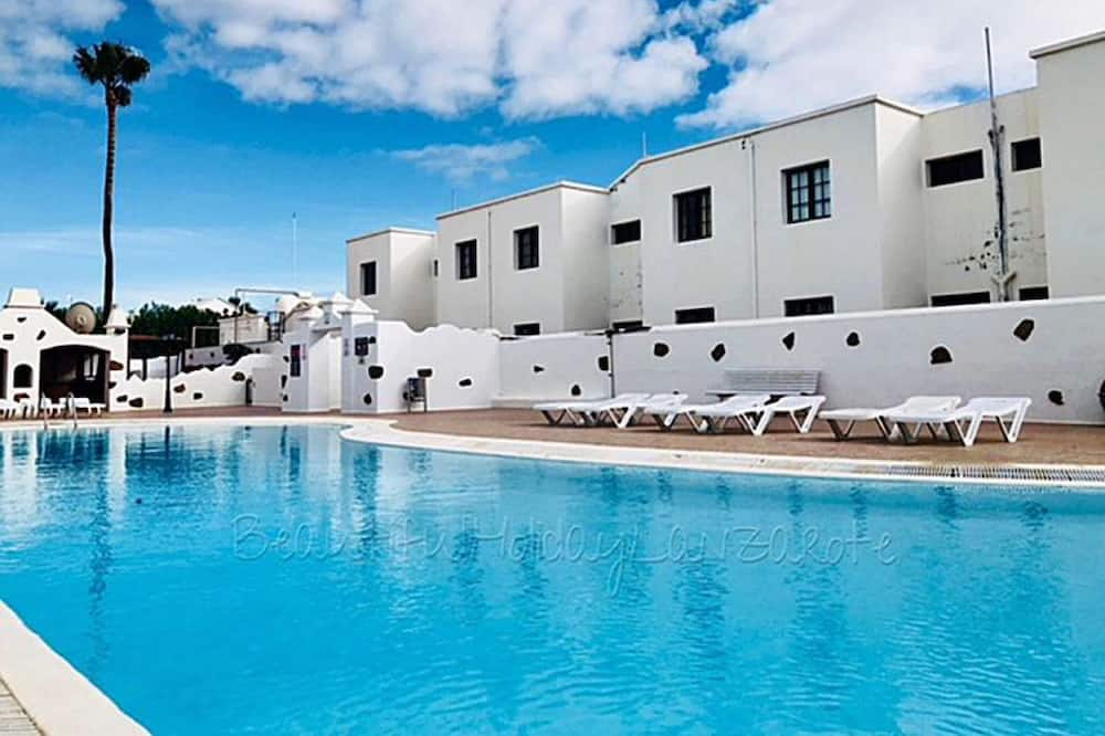 Apartment Bellissima 200m From the Ocean With Pool, Wifi Sat-tv, Tias