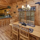 Cabin, 2 Bedrooms - Dining
