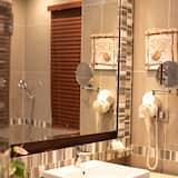 Pokoj Deluxe s dvojlůžkem, dvojlůžko, nekuřácký, výhled do dvora - Koupelna