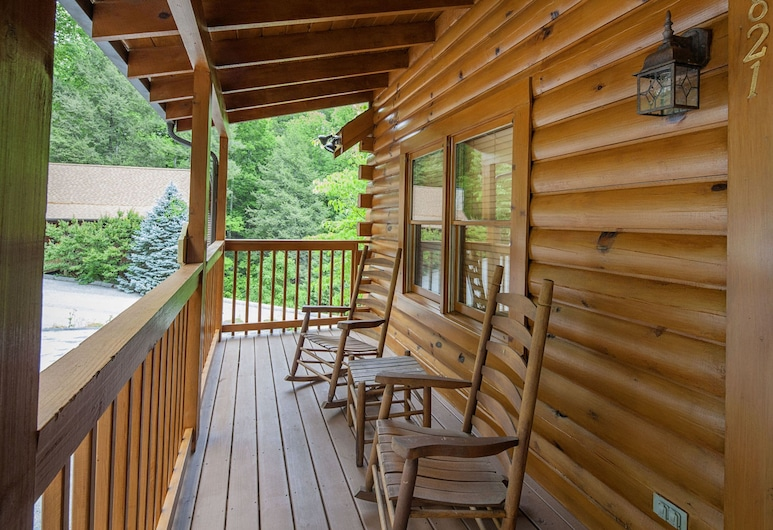 Chanticleer by Eagles Ridge Resort, Pigeon Forge, Hytte, 2 soverom, Balkong