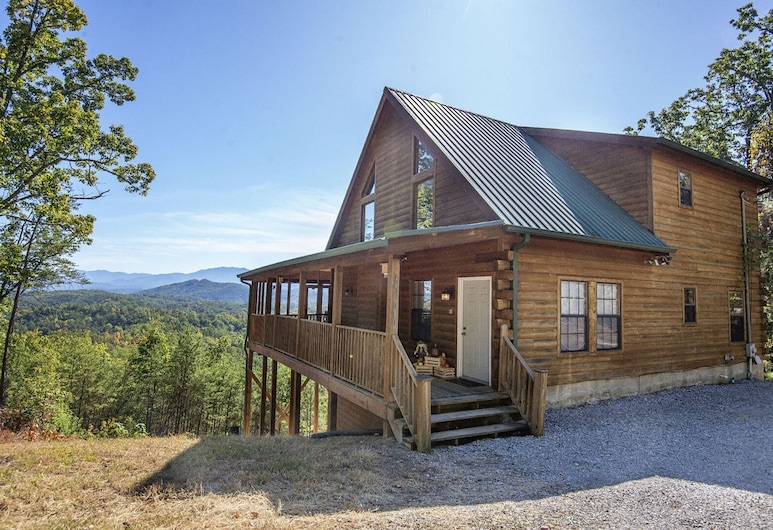 Dunder Mountain Views Cabin Retreat by Heritage Cabin Rental, Sevierville