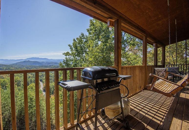 Dunder Mountain Views Cabin Retreat by Heritage Cabin Rental, Sevierville, Kunyhó, 3 hálószobával, Erkély