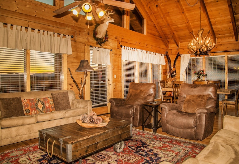 Eagles On High by Eagles Ridge Resort, Pigeon Forge, Cabin, 3 Bedrooms, Living Room