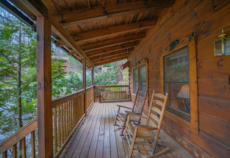 Eagles View by Eagles Ridge Resort, Pigeon Forge, Cabin, 2 Bedrooms, Balcony