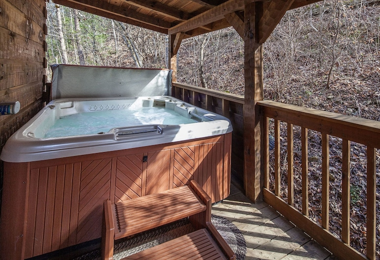 Jalyns Treehouse by Eagles Ridge Resort, Pigeon Forge, Baita, 2 camere da letto, Spa
