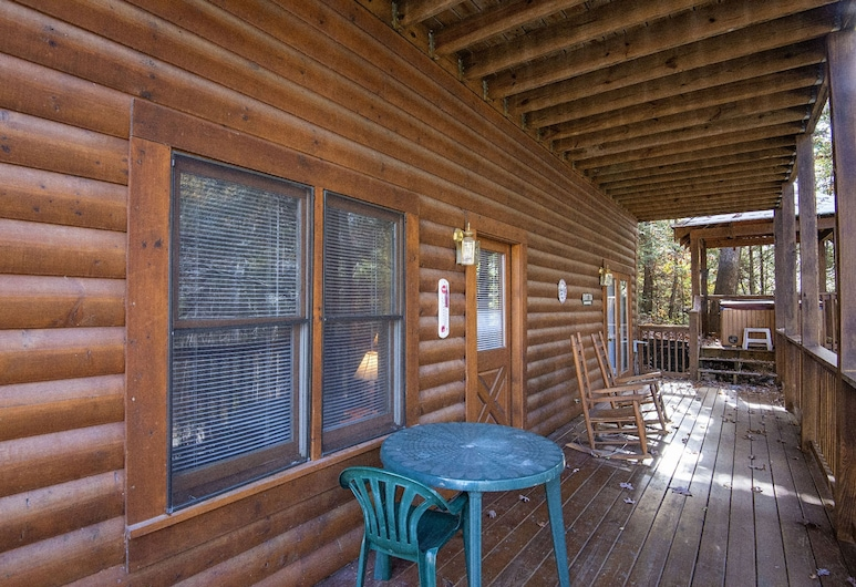 Lockers Mountain Hideaway by Eagles Ridge Resort, Pigeon Forge, Hytte, 2 soverom, Balkong