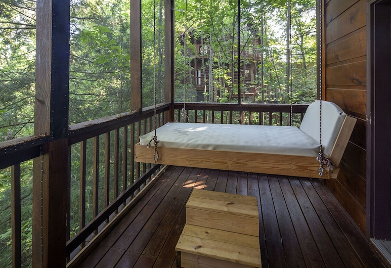 Making Memories by Heritage Cabin Rentals, بيجون فورج, كابينة - ٤ غرف نوم, شُرفة