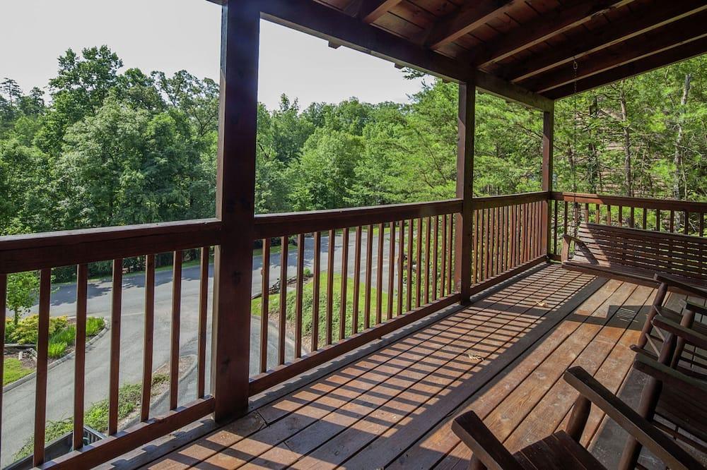 Cabin, 4 Bedrooms - Balcony