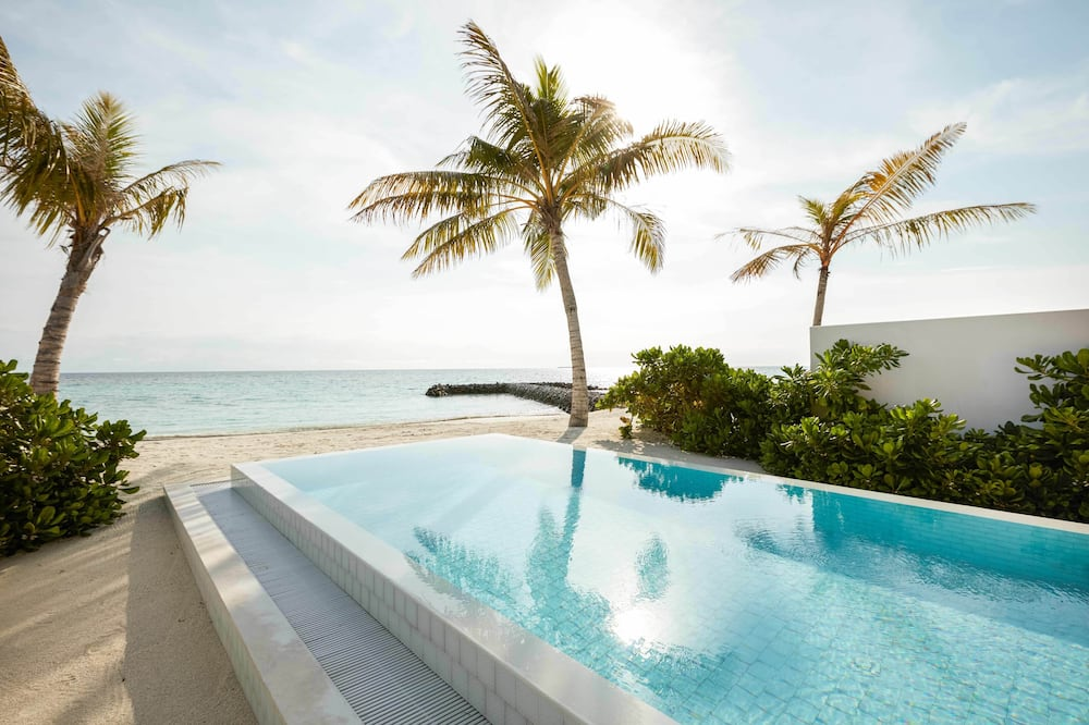 Beach Suite with Pool - Guest Room