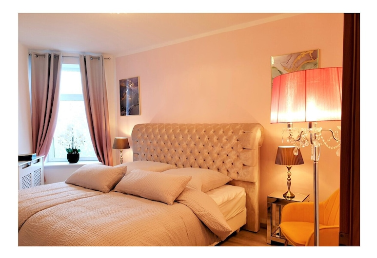 Stay at Wonderland, Schleswig, Comfort-Apartment (incl. 120 EUR Cleaning Fee), Zimmer
