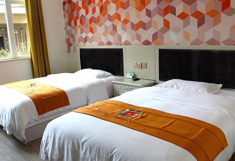 PAI Hotela Leshan Gian Buddha Binjiang Road BUS TE, Leshan, View from Hotel