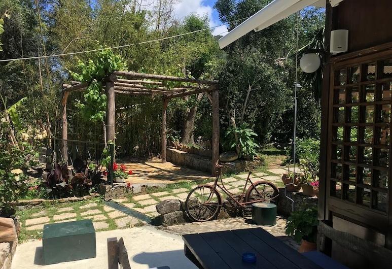Pension Skala, Corfu, Tempat Makan Luar