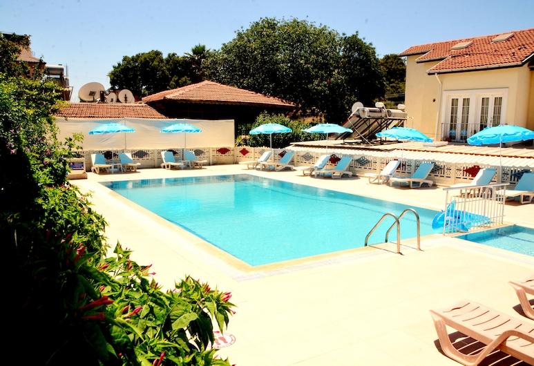 Cennet Hotel, Fethiye, Alberca al aire libre