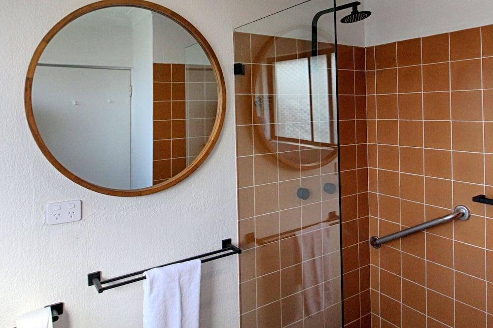 Jednokrevetna soba - Tuš u kupaonici