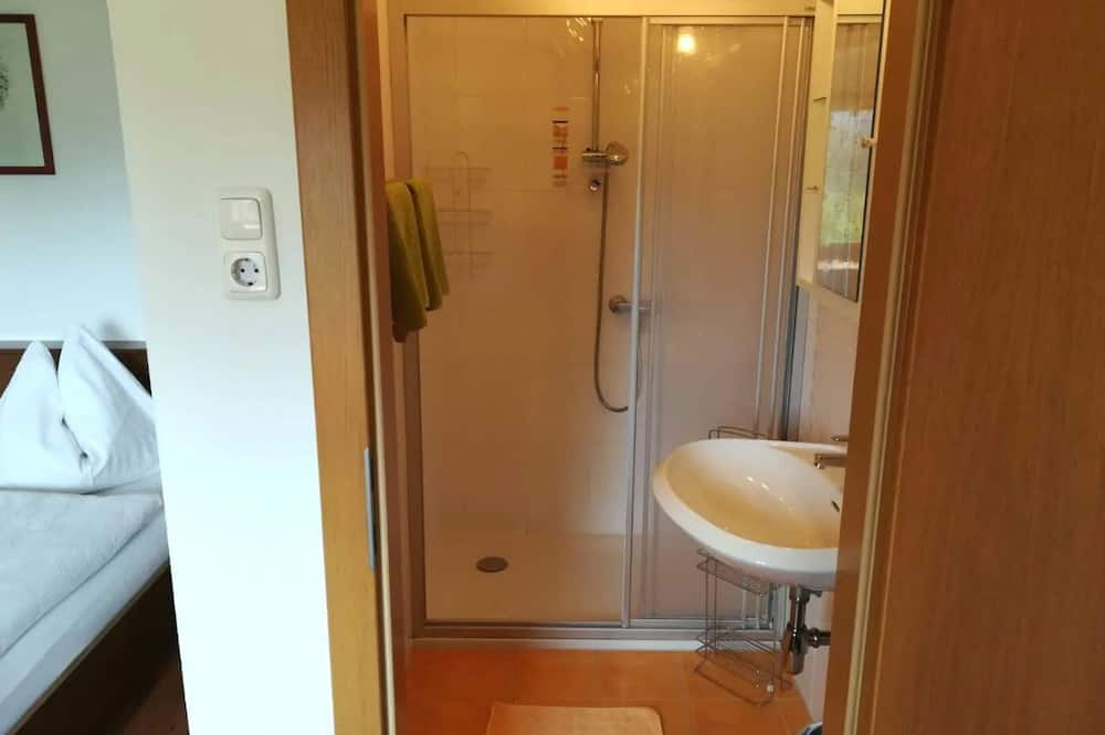 "Triple Room (""Hohe Dirn"") - Bathroom"