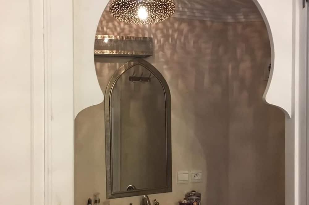 Standard Tek Büyük Yataklı Oda (Tifawt) - Banyo