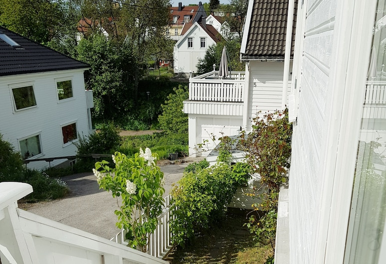StayPlus Large Holiday Home for Families, Kristiansand , Taman