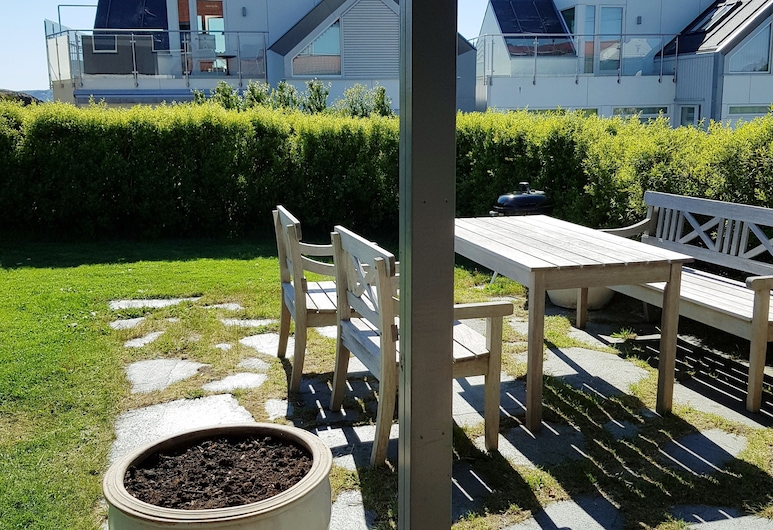 StayPlus Central Apartment With Garden, Kristiansand , Teres/Laman Dalam