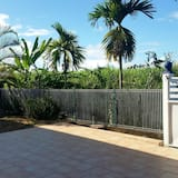 Apartment With one Bedroom in Petit-canal, With Terrace and Wifi - 7 km From the Beach