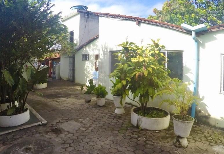 Hotel Muniz, سانتا إينيس, تِراس/ فناء مرصوف