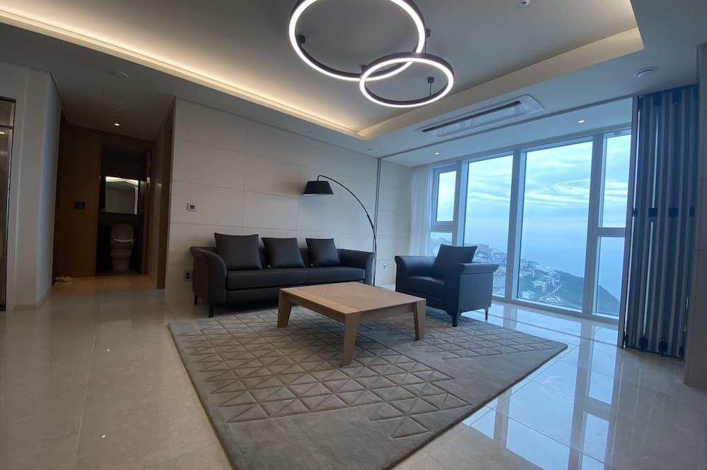 Deluxe Room - Ruang Tamu