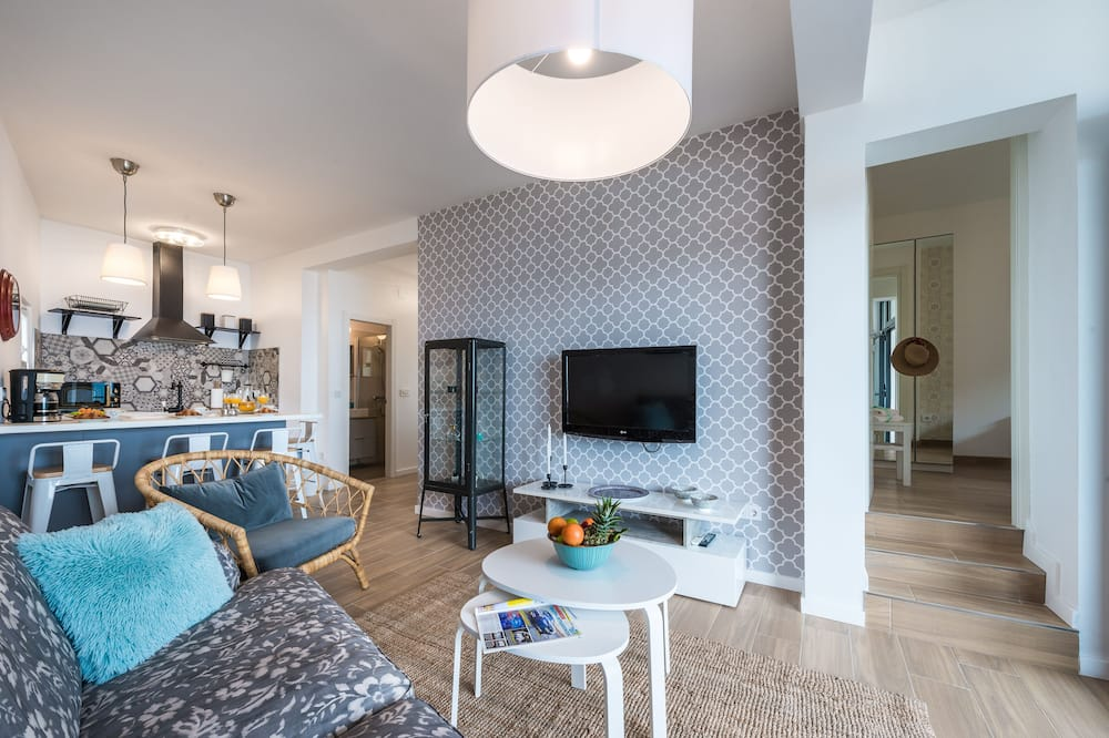 Apartment (2 Bedroom Apt with Terrace - Plat 21) - Living Room