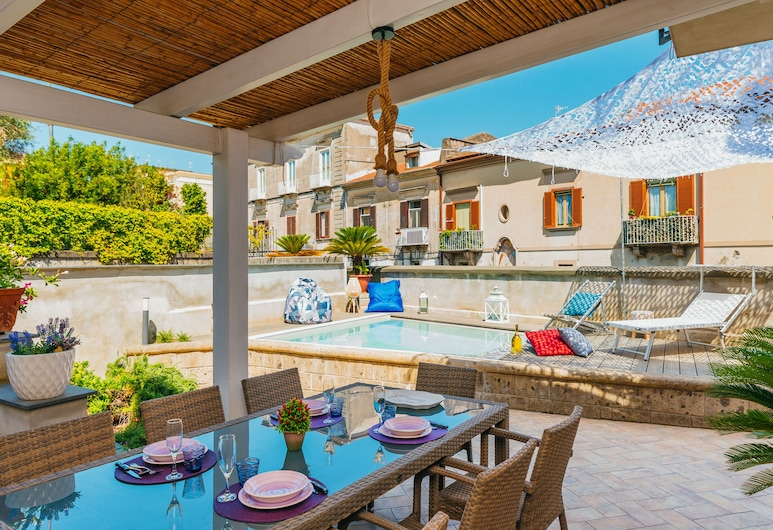 Spacious Villa with Pool, Sant'Agnello, Jardín