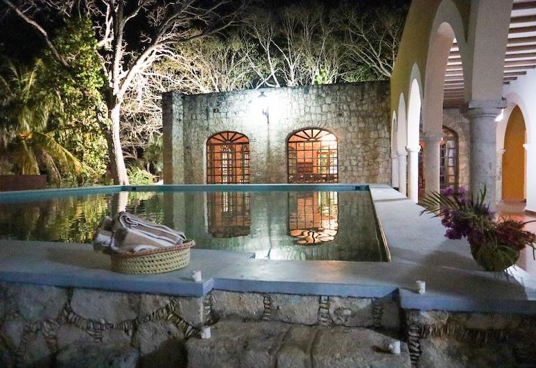HACIENDA HISTÓRICA Blanca Flor Del Siglo XVI, 赫瑟查坎 , 游泳池