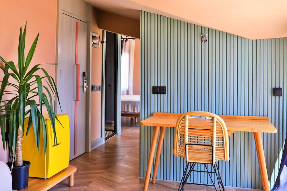 חדר אקזקיוטיב, חדר שינה אחד, מרפסת - סלון