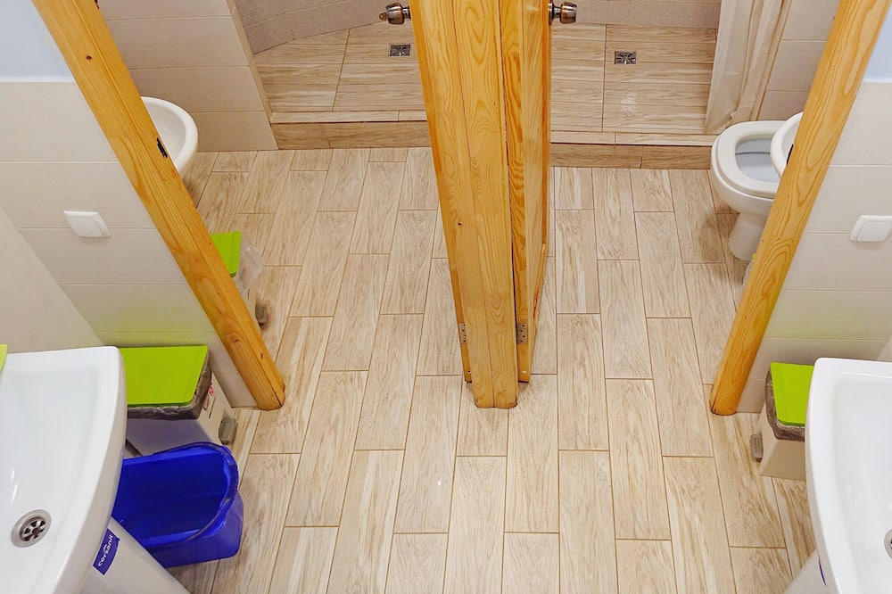 Basic-fællessovesal - mænd/kvinder (1 bed in 8 beds room) - Badeværelse