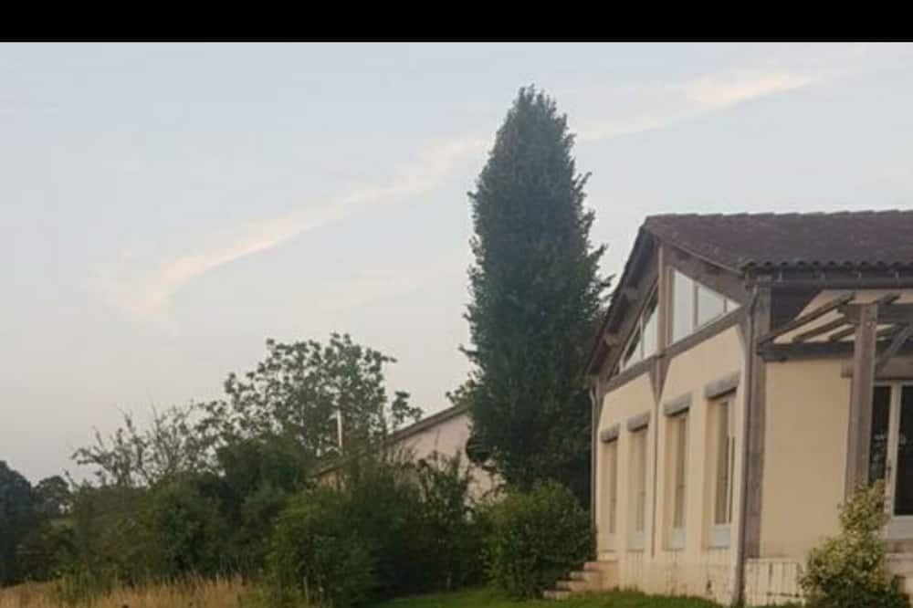 Holiday Villa in beautiful countryside  located in a small quite peaceful hamlet