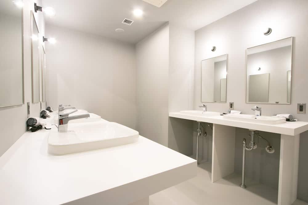 Спільна ванна кімната