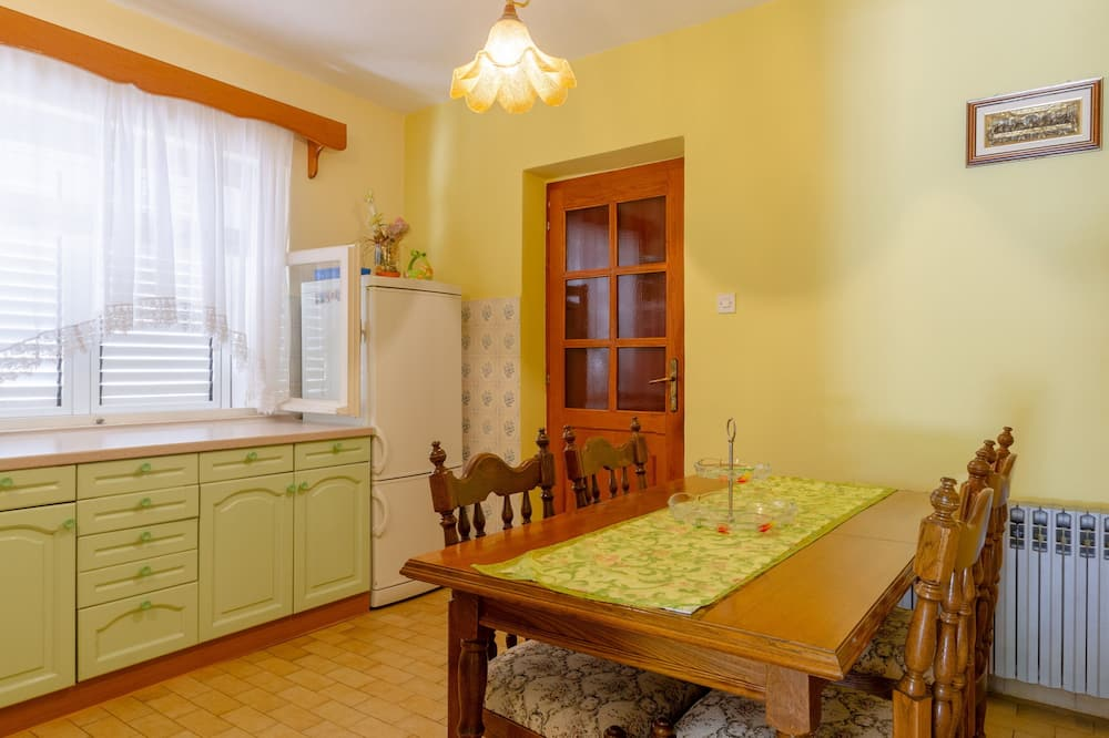 Apartment (Two Bedroom Apartment with Terrace) - In-Room Dining